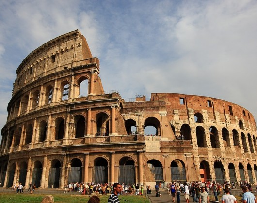Fast-track Colosseum Ticket with Guided Tour