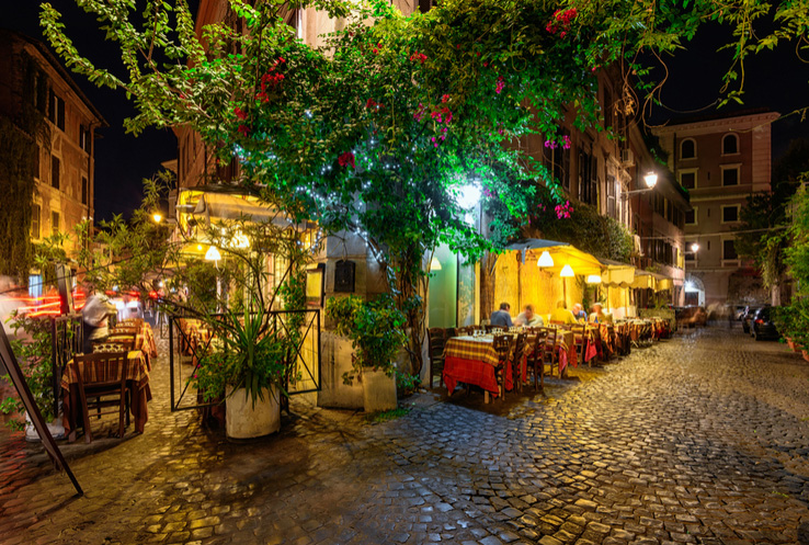 dress up and visit trastevere on halloween